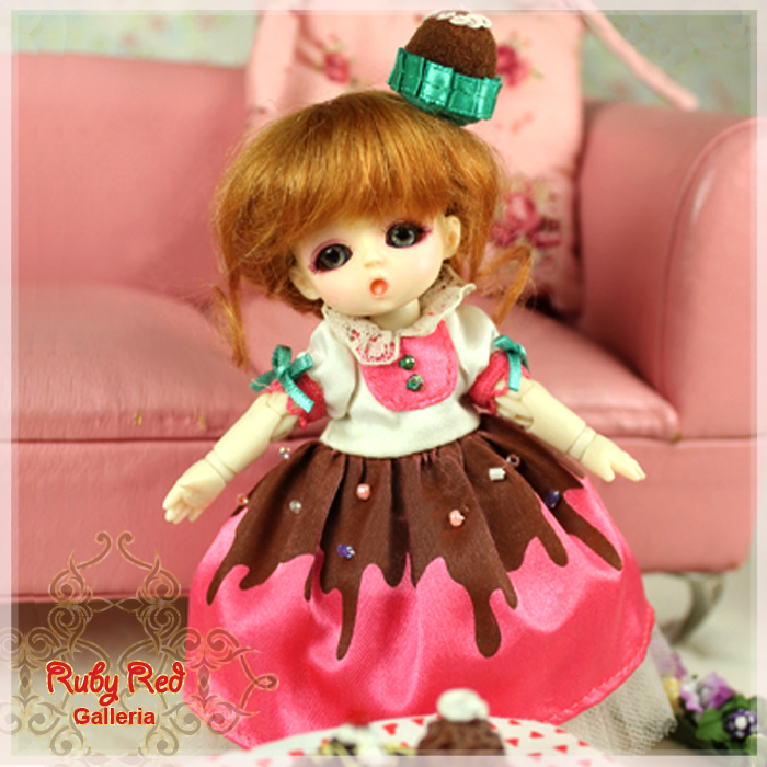 CA0007A Honee-B, Chocolate Dolly