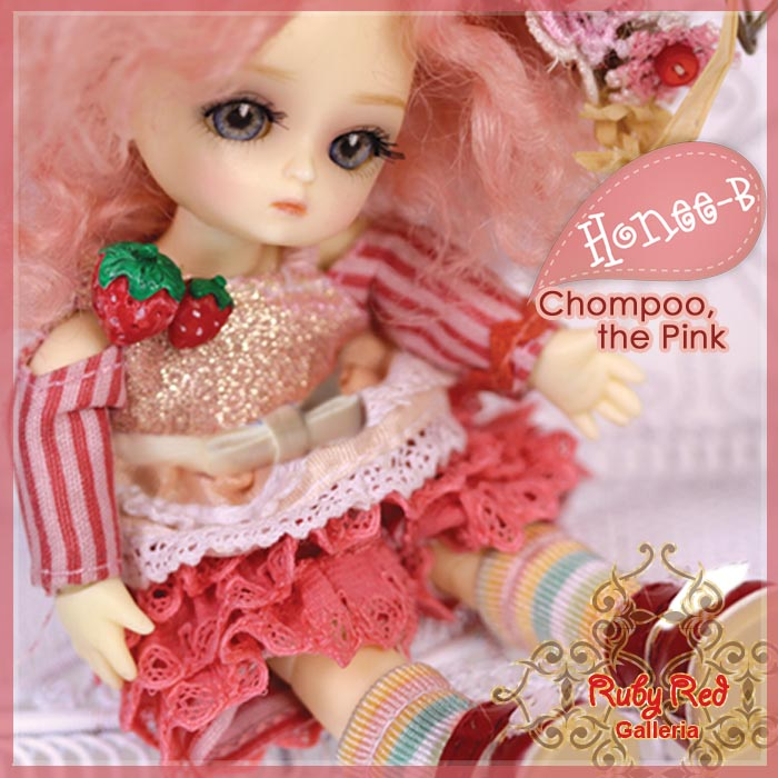 CA0012A Honee-B, Chompoo the Pink