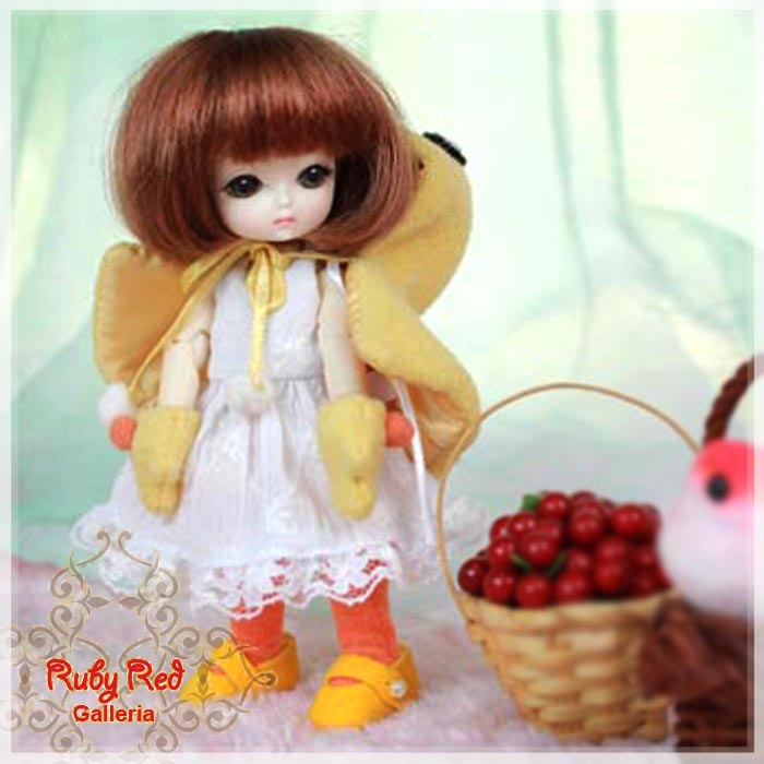 CC0003B Cuddly Chick (no wig) - Cloth Set