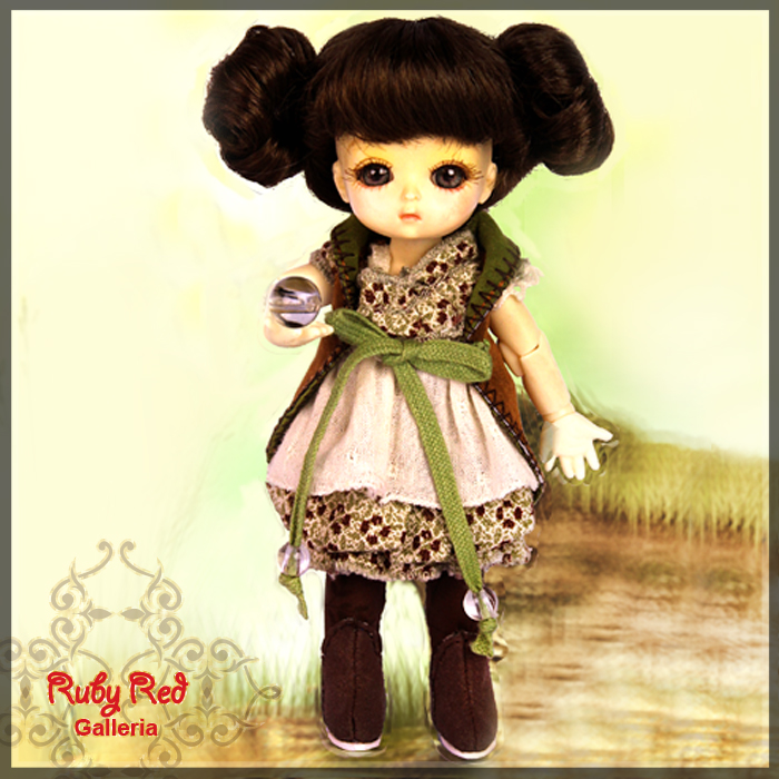 CC0010B Nurture (no wig) - Cloth Set