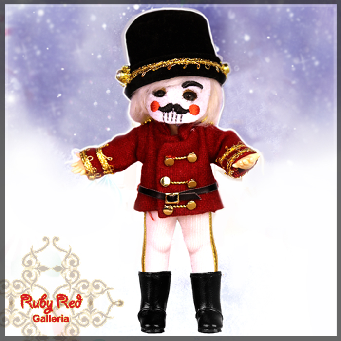 CC0013B Nutcracker (no wig) - Cloth Set